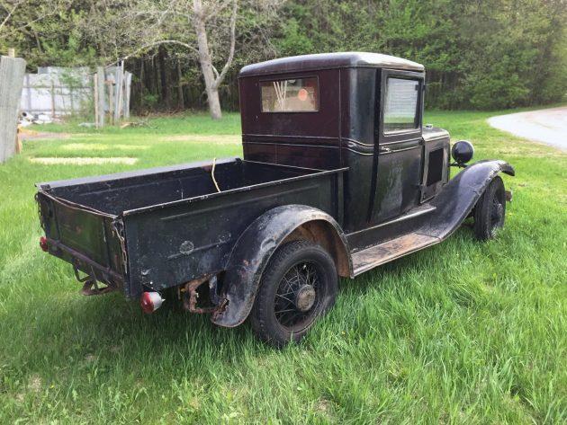 051216 Barn Finds - 1932 Chevrolet Pickup - 3