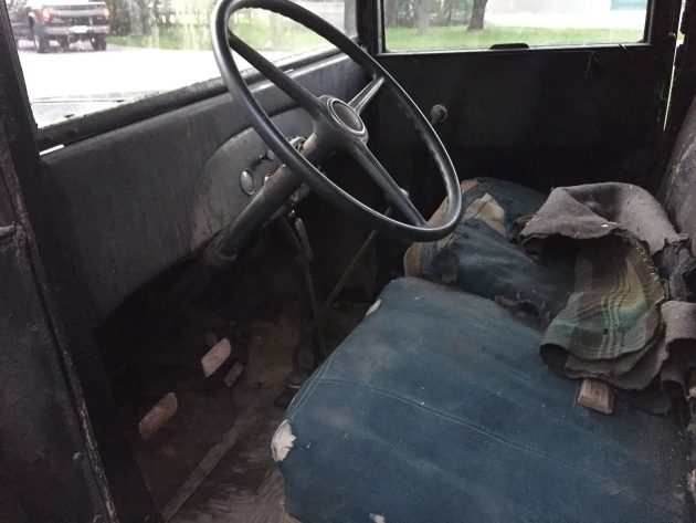 051216 Barn Finds - 1932 Chevrolet Pickup - 4
