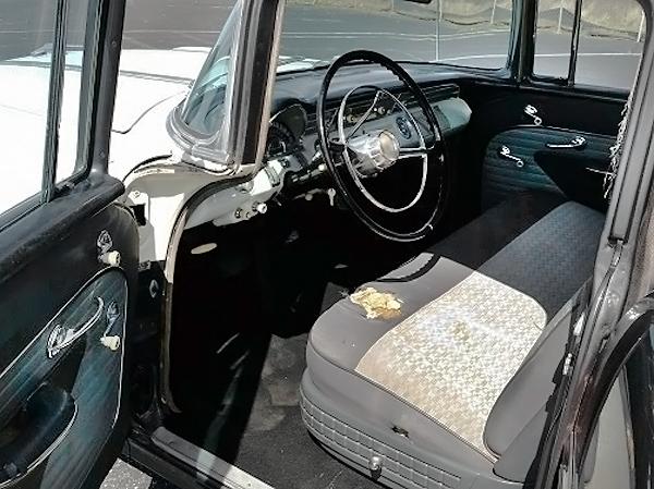 051216 Barn Finds - 1956 Pontiac - 4