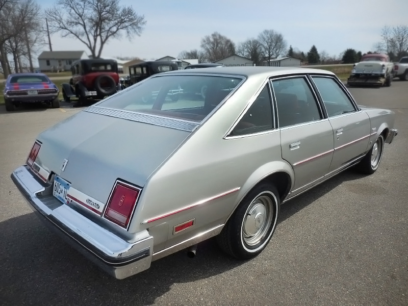 Fastback 1978 oldsmobile cutlass salon brougham for 1979 olds cutlass salon