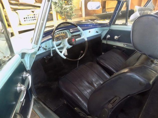 051716 Barn Finds - 1961 Renault Caravelle - 4