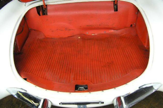 13-1956-corvette-rare-find-trunk