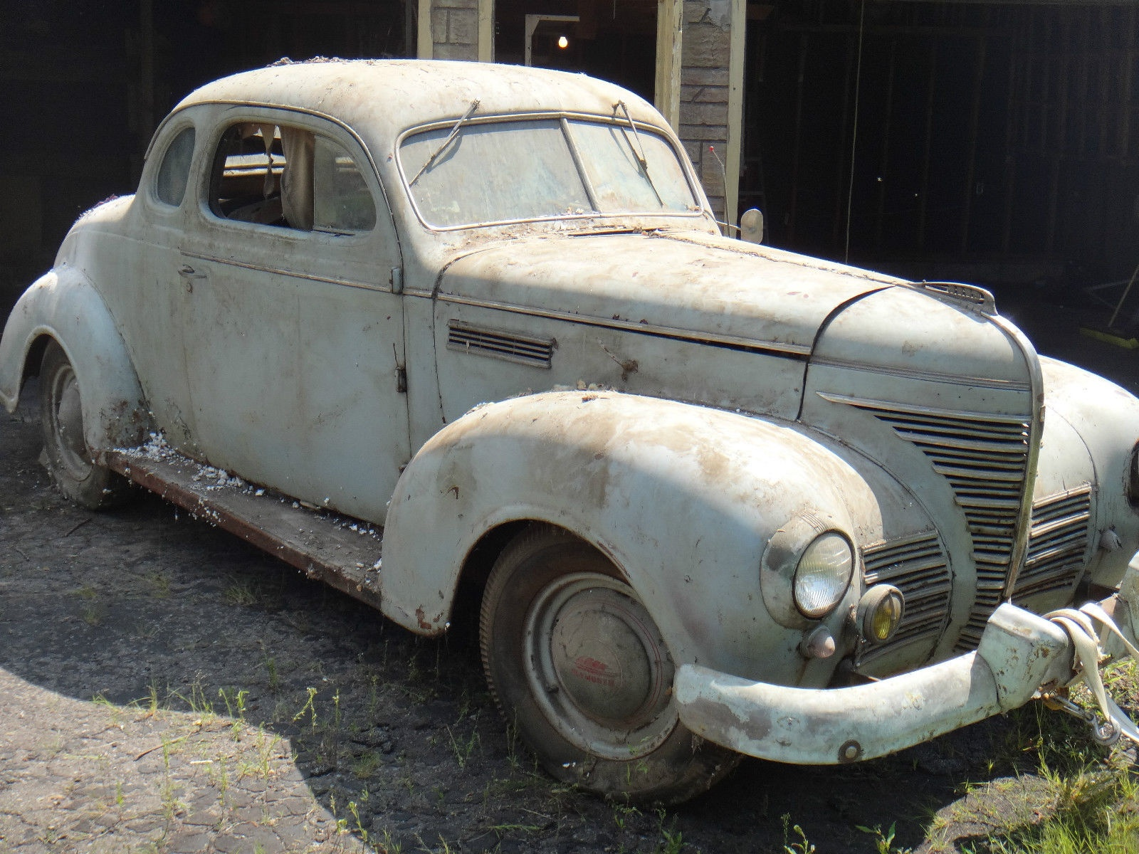 Business Man\'s Coupe: 1939 Plymouth P8