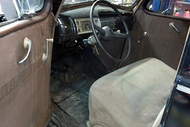 1940 Ford V8 Interior