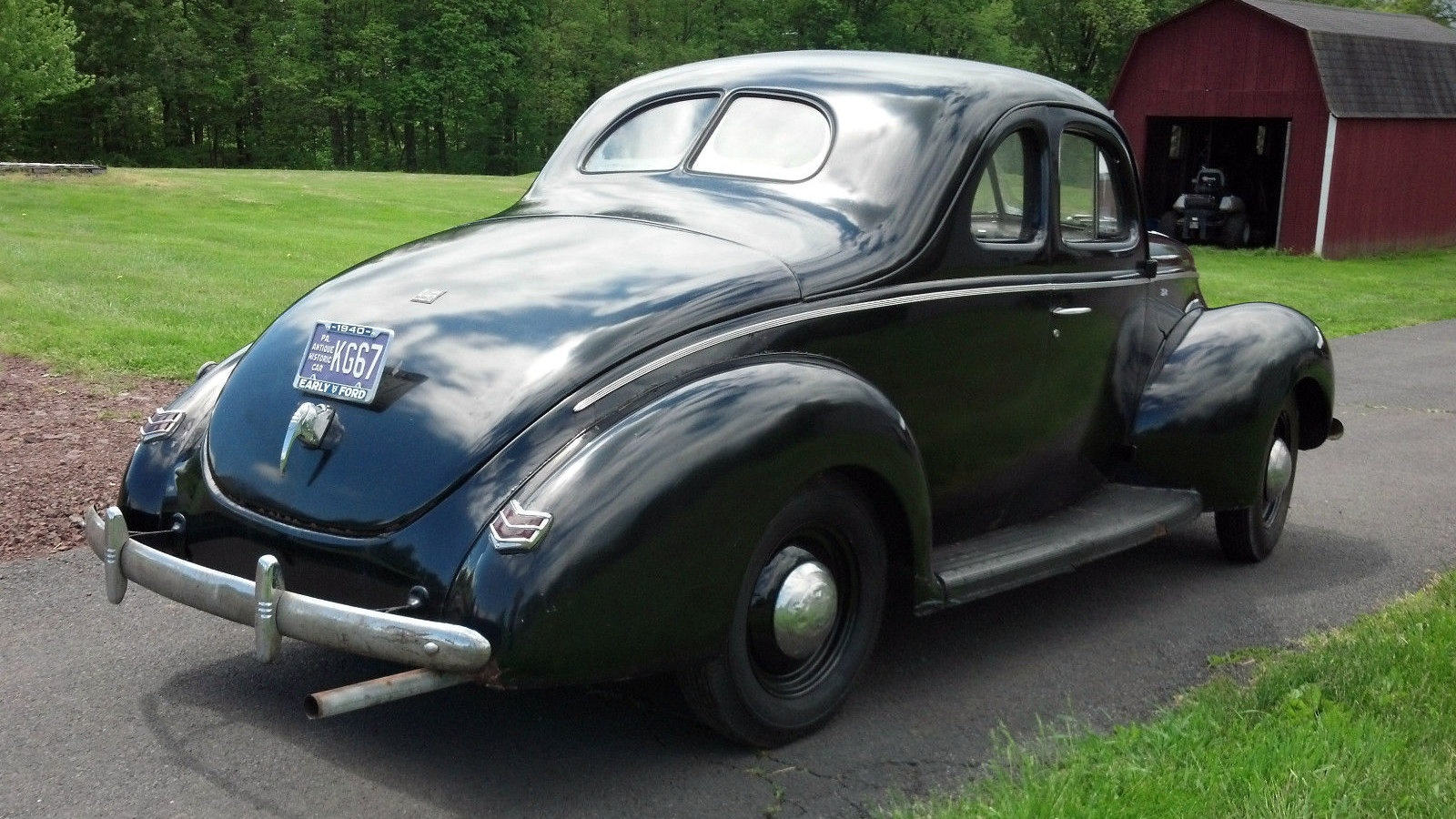 Flathead Style 1940 Ford V8 Coupe