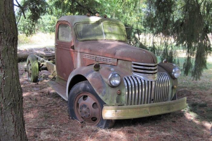 Big Rigs For Sale >> Stovebolt Siblings: 1945 & 1947 Chevrolet Trucks