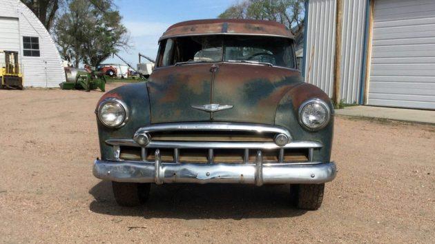1949 Chevrolet Deluxe Front