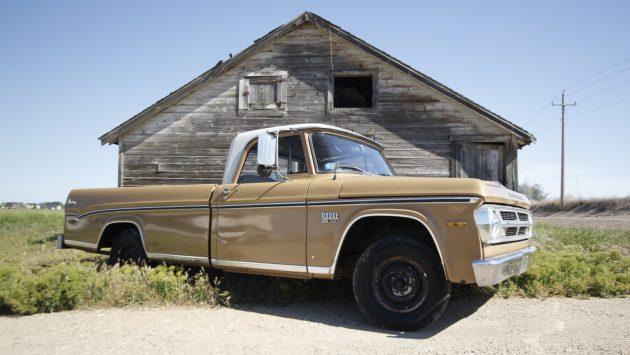 BF Exclusive: 1970 Dodge D-100 Adventurer