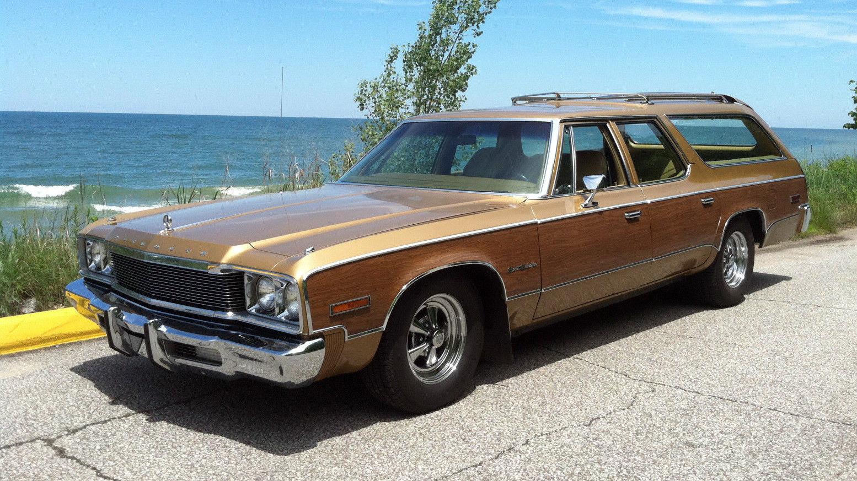 Muscle Wagon: 1974 Plymouth Sport Suburban