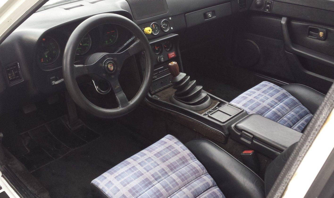 Holbert superwide 1980 porsche 924 turbo for Porsche 924 interieur