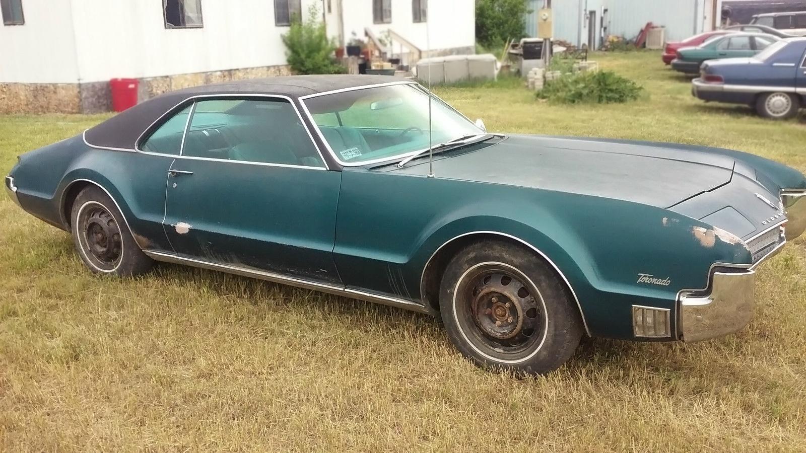 061016 barn finds 1967 oldsmobile toronado 2