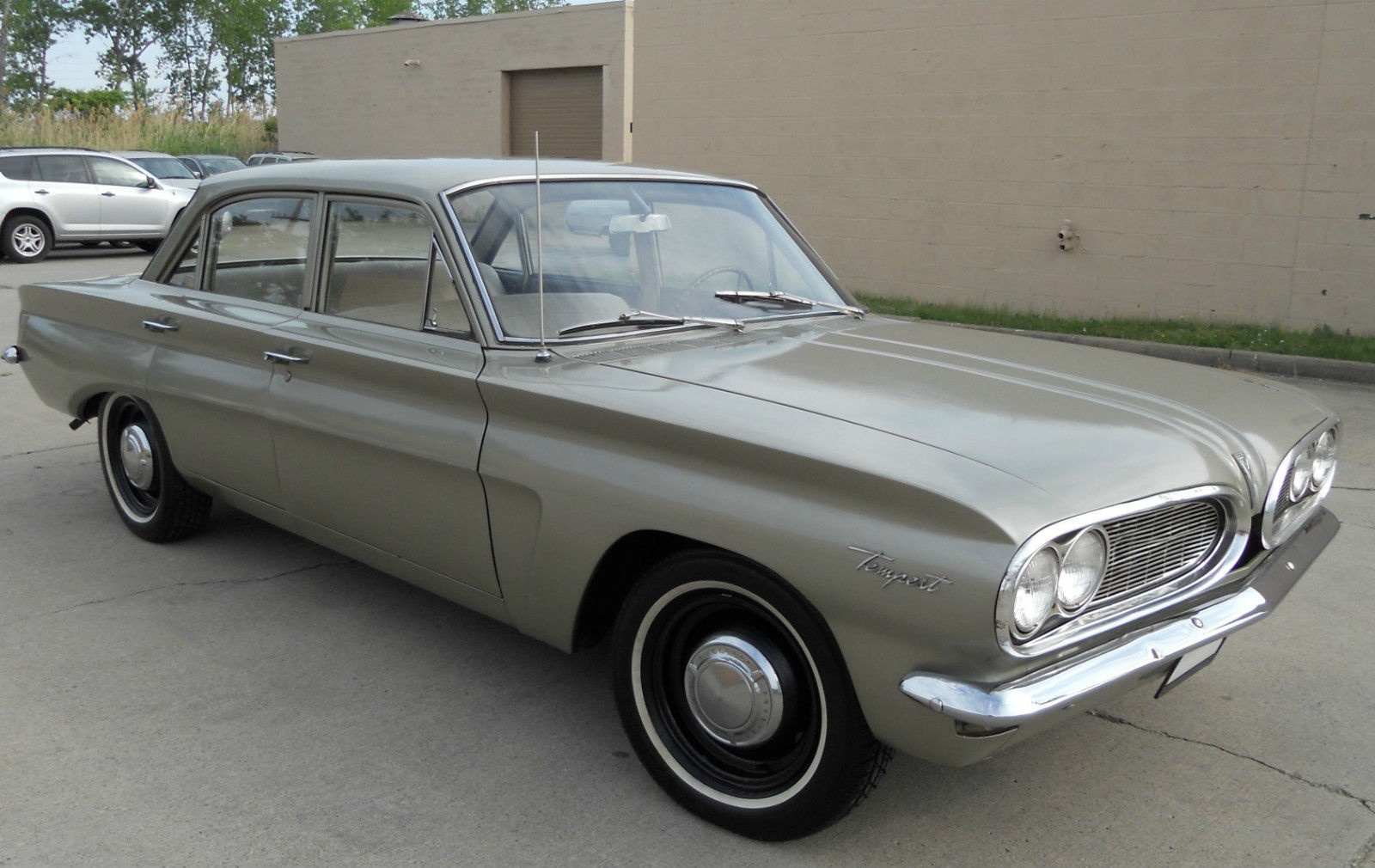 Cheap Entry 1961 Pontiac Tempest