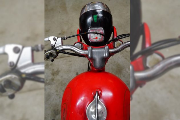 061216 Barn Finds - 1960 Moto Guzzi Zigolo - 3