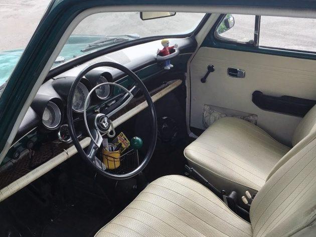 061216 Barn Finds - 1968 Volkswagen Type 3 Squareback - 4