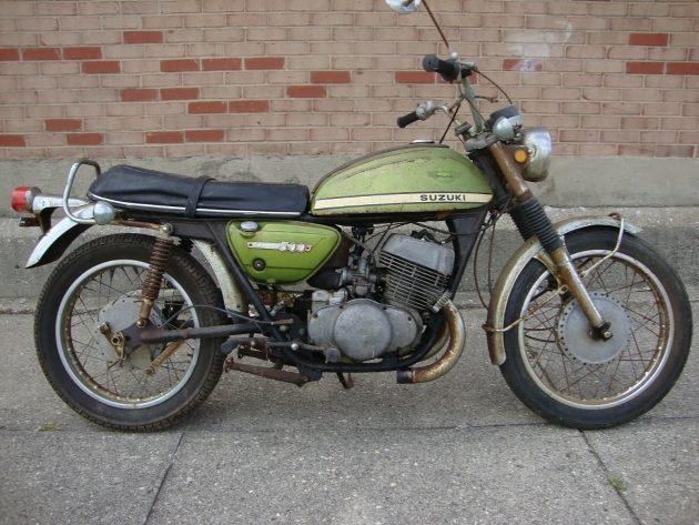 061316 Barn Finds - 1969 & 70 Suzuki T500 Titans - 3