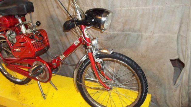061616 Barn Finds - 1964 Bianchi Avanti Sport Folding Moped - 4