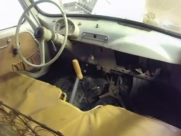062716 Barn Finds - 1959 Fiat 600 Multipla - 4