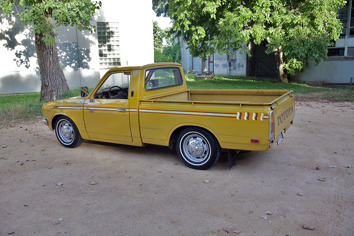 1976 Toyota Pickup - Information and photos - MOMENTcar