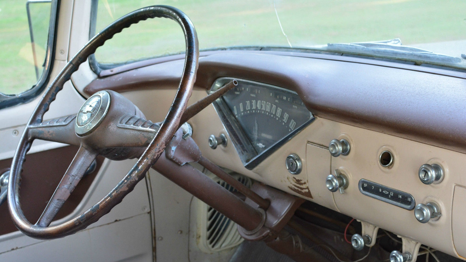 Barn Finds Maritime Mustang Description 3100 V6 Enginejpg Image Http Barnfindscom Wp Content Uploads 2016 06 1955 Chevrolet Interior 630x355