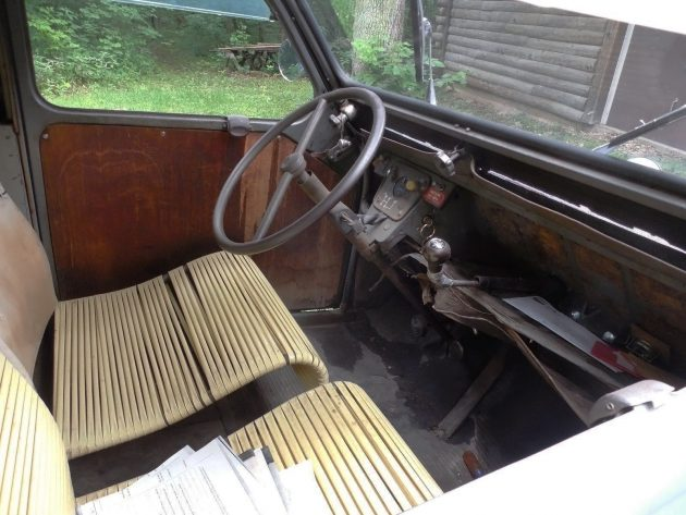070416 Barn Finds - 1960 Citroën 2CV Van - 4