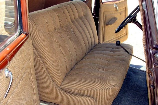 1934 Ford Deluxe Interior