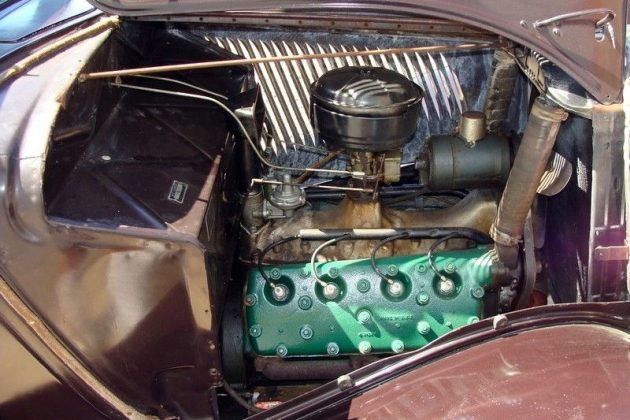 1934 Ford Deluxe V8 Engine