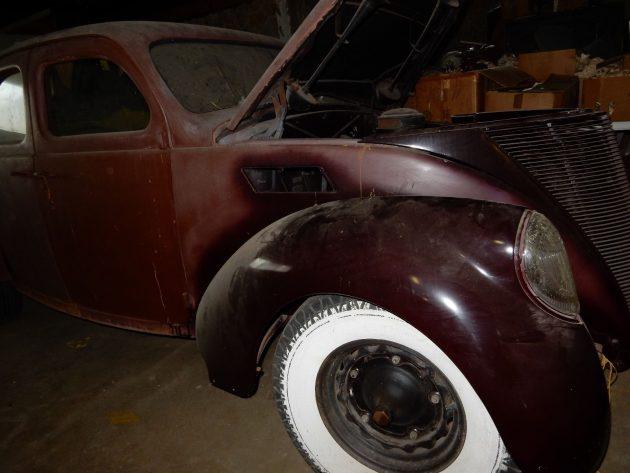 V12 Barn Find: 1937 Lincoln Zephyr