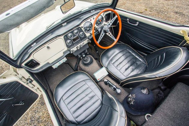 1962 Triumph TR4 Interior