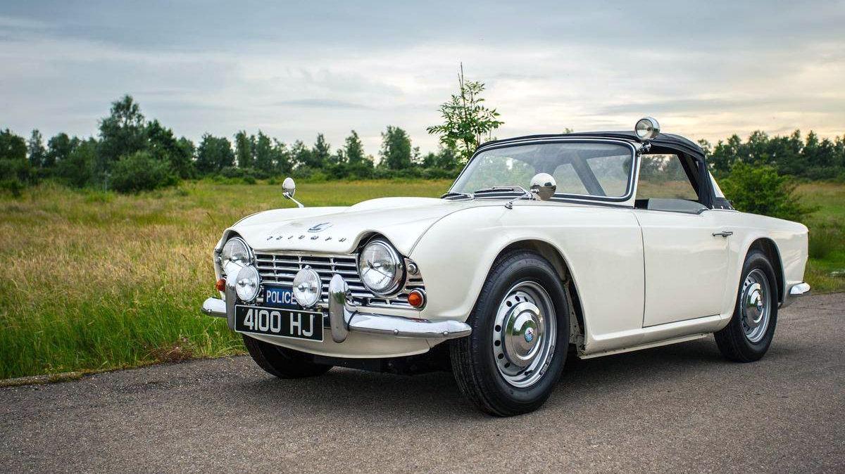 Fast Pursuit 1962 Triumph Tr4