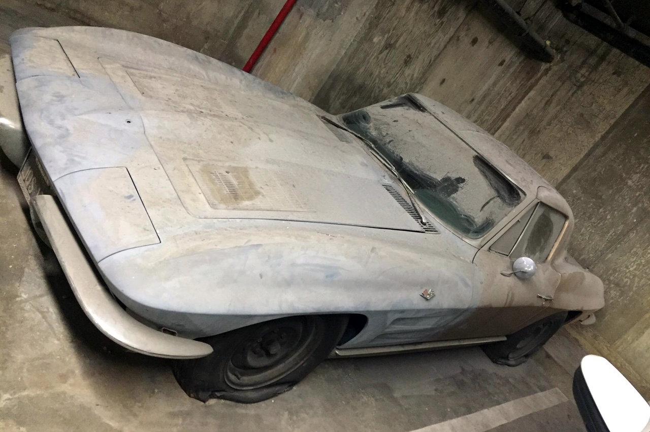 Parking garage split window corvette for 1963 split window