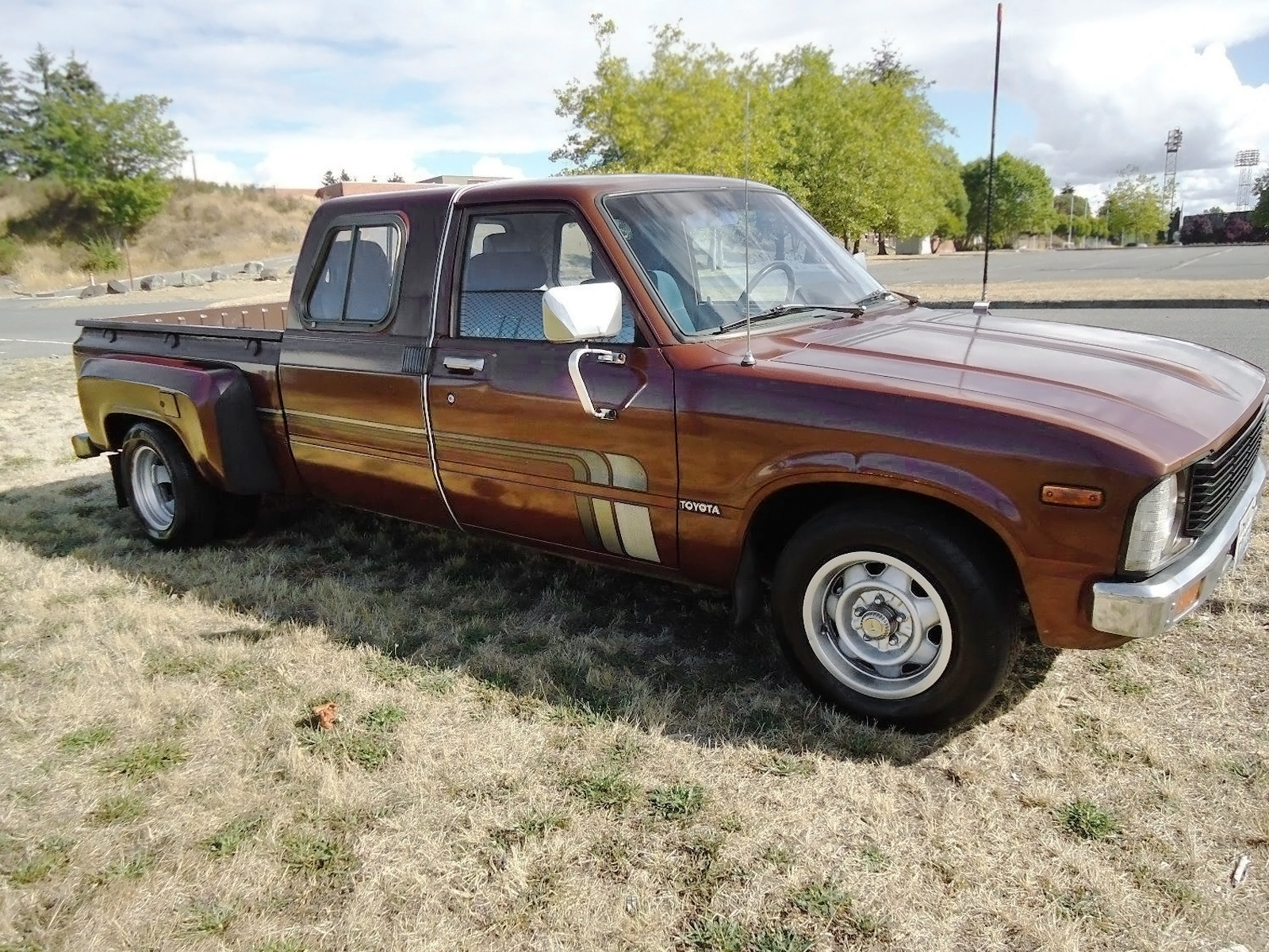 Dually Duel 1979 Toyota SR5 Extended Cab Pickup