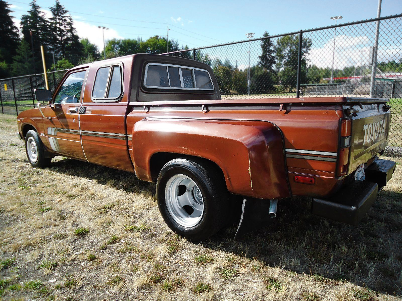 Dually Duel: 1979 Toyota SR5 Extended-Cab Pickup