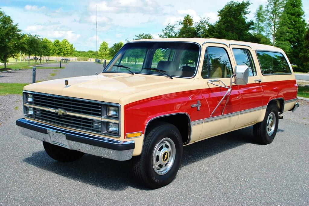 42 500 miles 1984 chevrolet suburban silverado. Black Bedroom Furniture Sets. Home Design Ideas