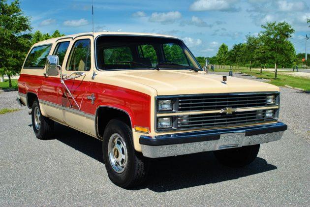 081016 Barn Finds - 1984 Chevrolet Suburban - 2
