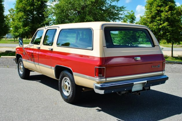 081016 Barn Finds - 1984 Chevrolet Suburban - 3