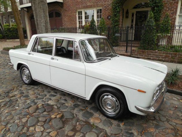 081116 Barn Finds - 1971 Lancia Fulvia Berlina - 3