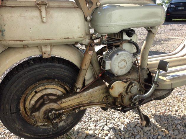 082816 Barn Finds - 1956 Lambretta 150 D - 4