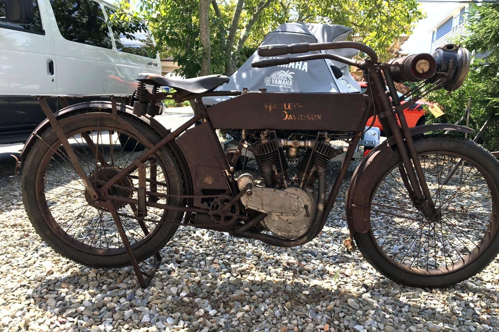 Harley Davidson: Rare V-Twin: 1913 Harley Davidson