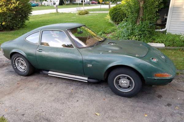 Tiny Corvette: 1968 Opel GT V8