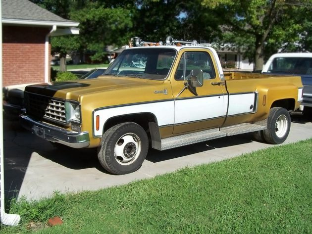 091816-barn-finds-1975-chevrolet-c30-camper-special-dually-pickup-1