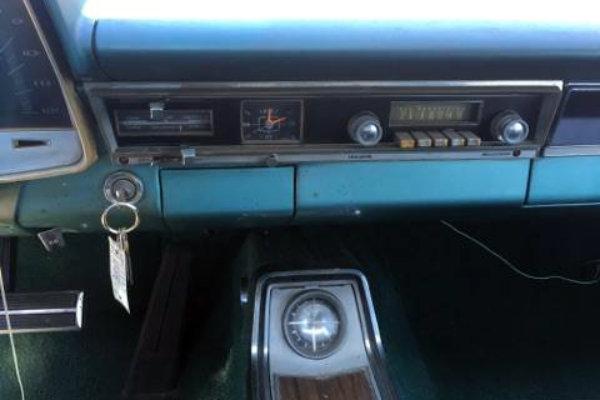 1965-plymouth-fury-dash