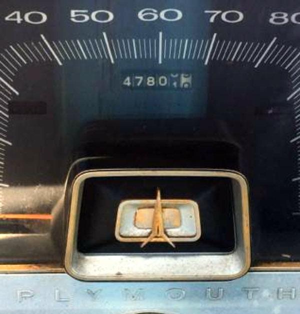 1965-plymouth-fury-odometer