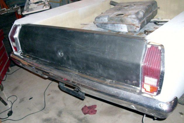 1972-chevrolet-vegamino-tailgate