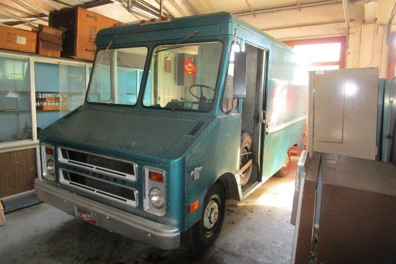 73 Chevy Truck >> Step Van That Time Forgot: 1973 Chevy P30