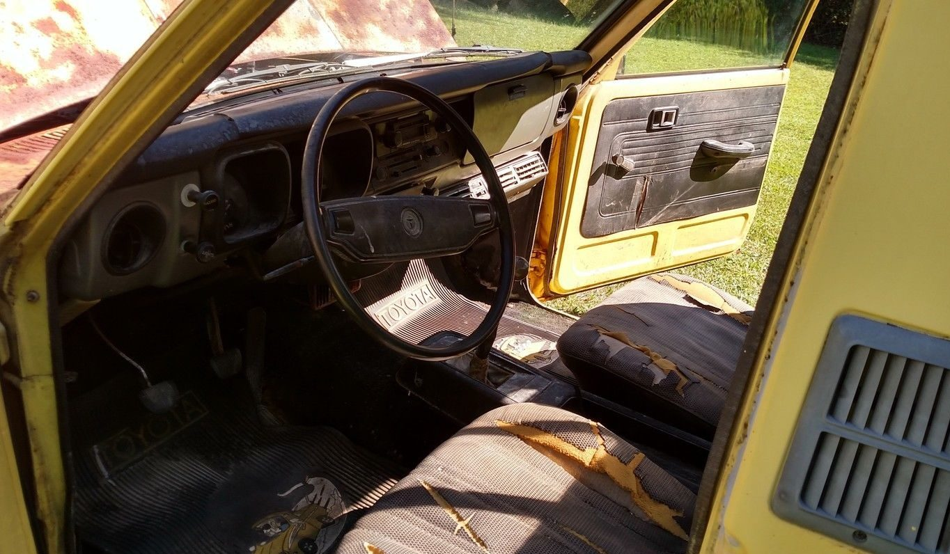 For me remember that ugly torn wheel well from the before pictures - The Interior Is Another Story It S Ugly The Door Panels Seats And Dash Are All Torn Up If You Re Looking For A Mint Interior Keep Looking This Truck