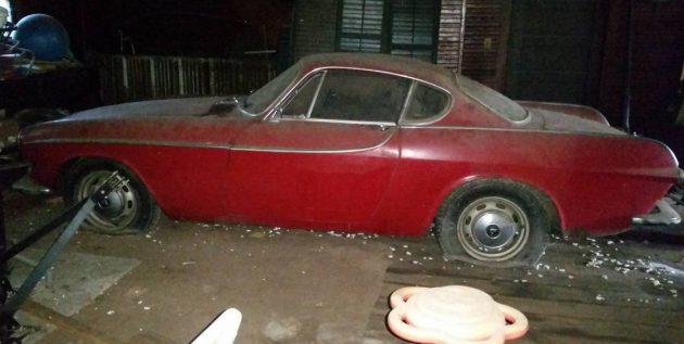Just One Peek: 1966 Volvo P1800S