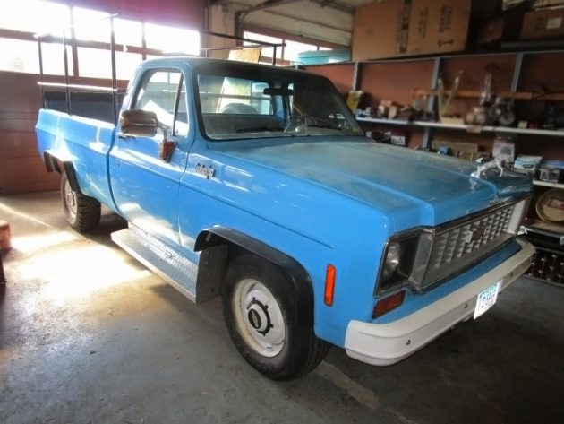 100116-barn-finds-1973-chevrolet-c30-pickup-1