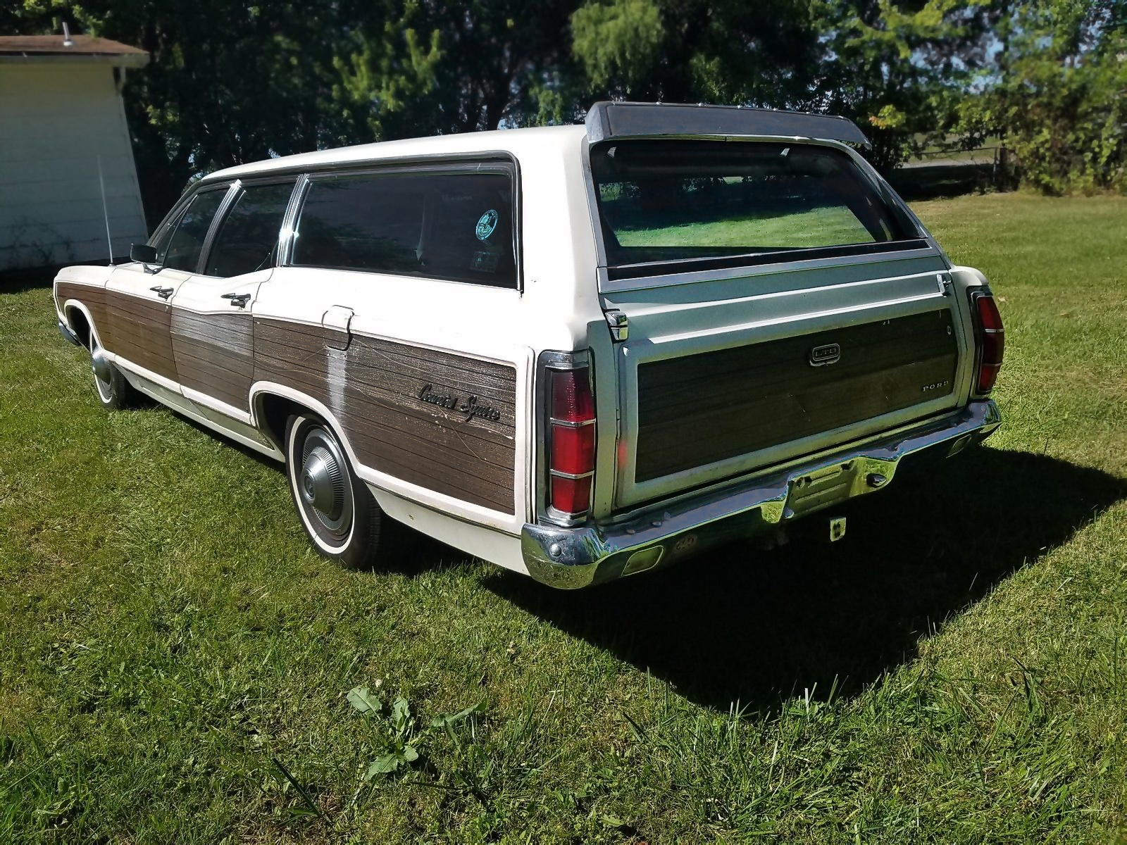 Wagons Ho! 1969 Ford LTD Country Squire