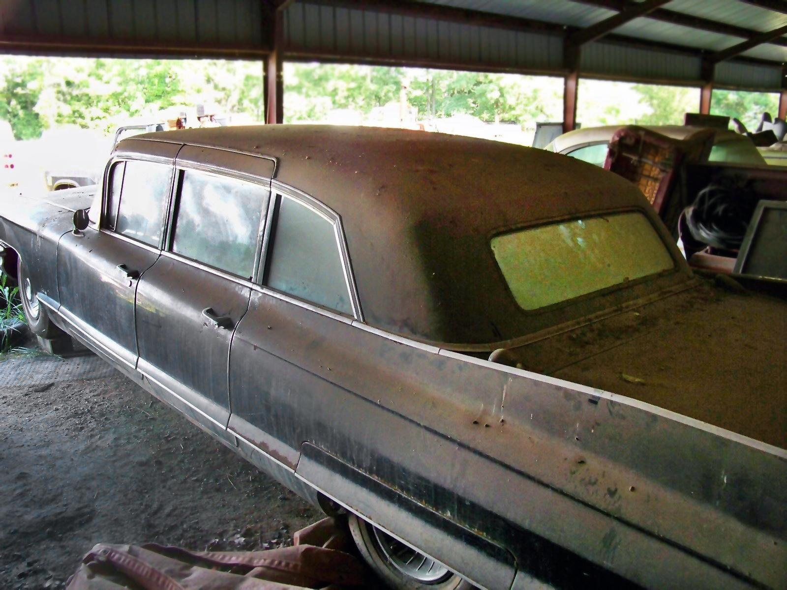 Kentucky Limo 1961 Cadillac Fleetwood 75