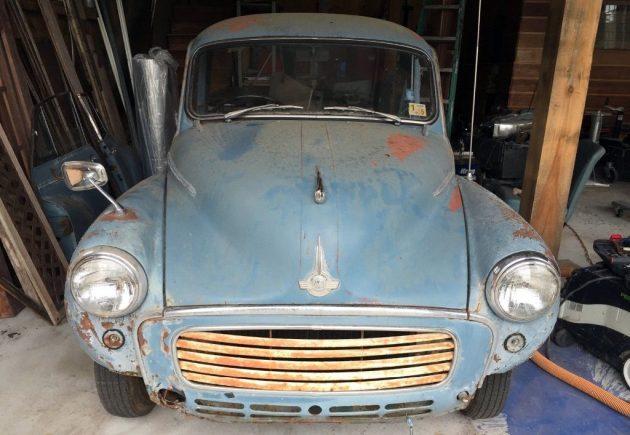 Little Woody Wagon: 1959 Morris Minor